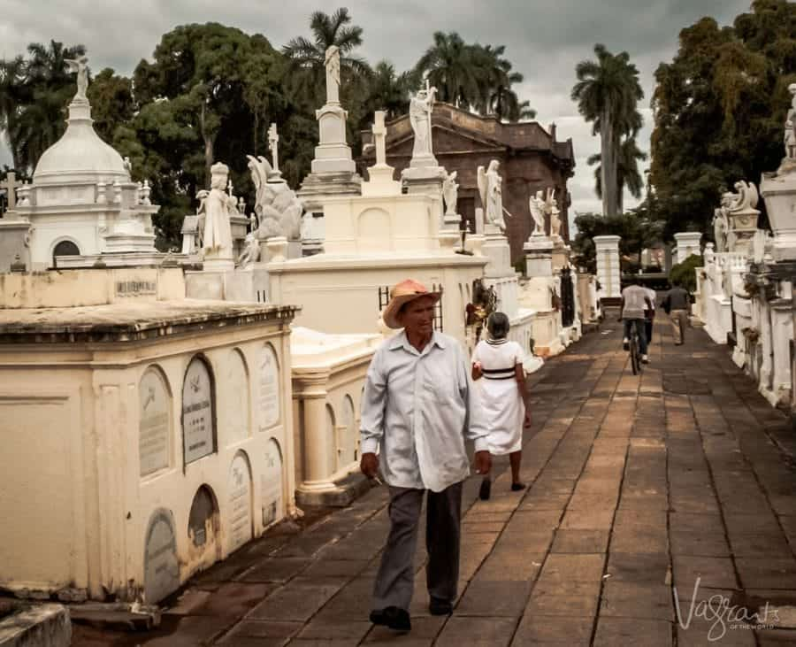 Things to do in Granada Nicaragua - Visit the Granada Cemetery
