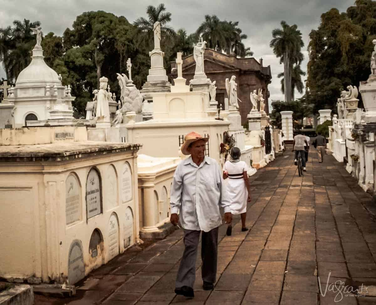 Things to do in Granada Nicaragua - Visit the Granada Cemetery