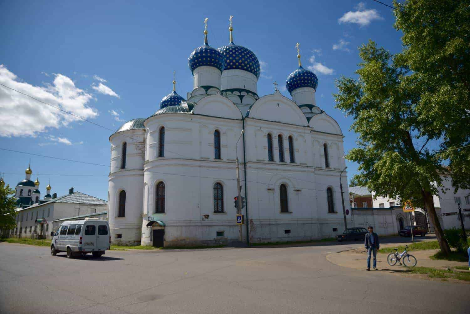 white church with 3 blue domes in Uglich Russia. Best things to do in russia are from st petersburg to moscow