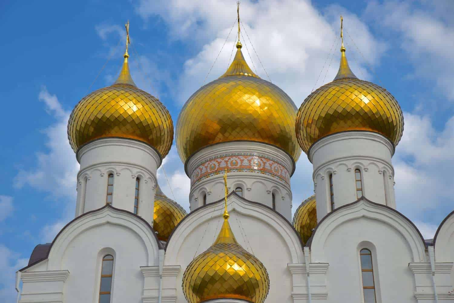 4 golden domes atop a church in Yaroslavl Russia