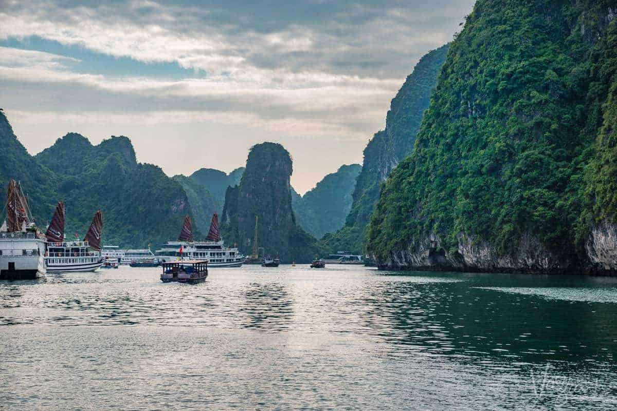 Cruising in Vietnam on the Halong Bay Junk Boats [ A ...