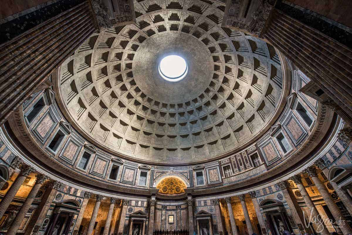Domed roof with skylight in the Pantheon.