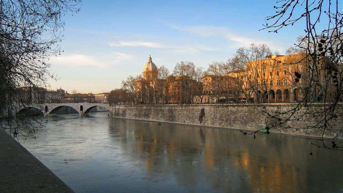 Lake, arched bridge and foreshore in Trastevere neighbourhood.