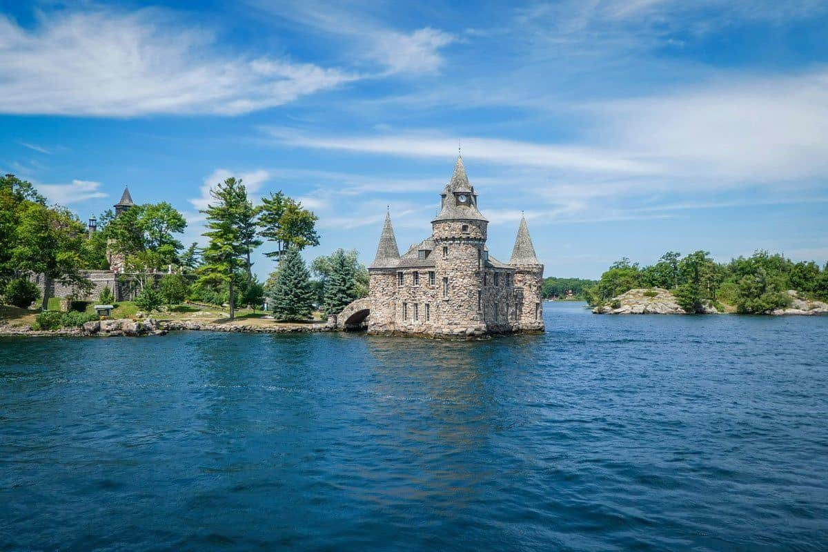 castle in lake, bodt and singer castles are popular things to see in thousand islands usa