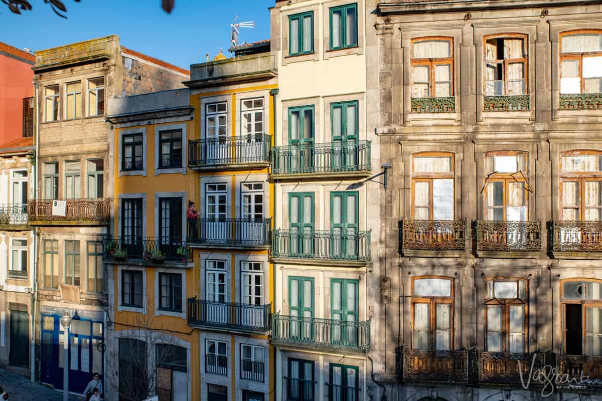The colourful houses in Praça Ribeira Porto. A place that is easy to see in 2 days in Porto
