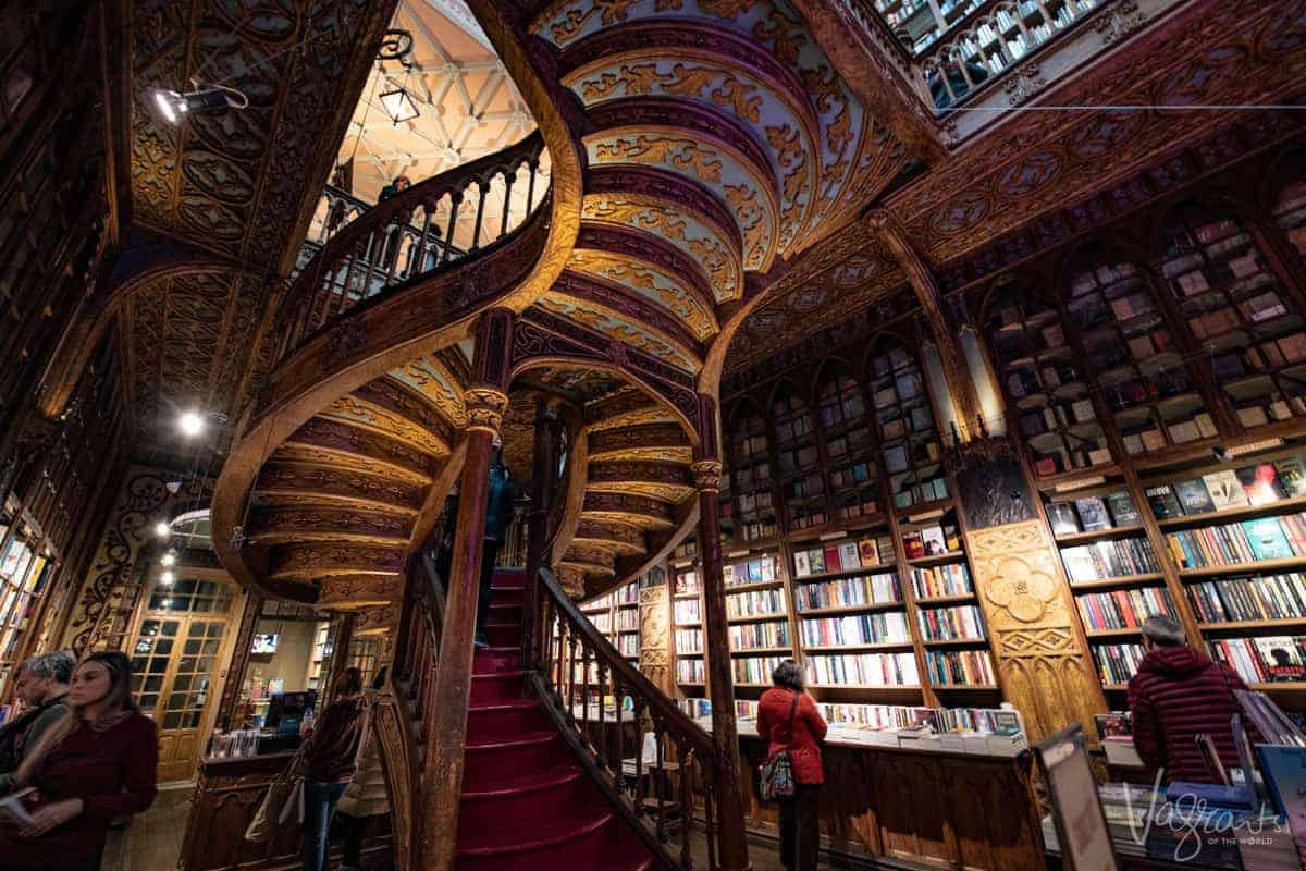Harry Potters magical staircase at the Livraria Lello Porto.