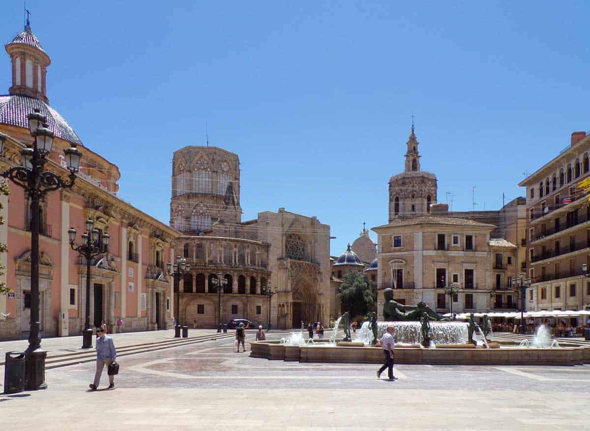 Gothic Catedral de Santa Maria, Plaza de la Virgen, Valencia.