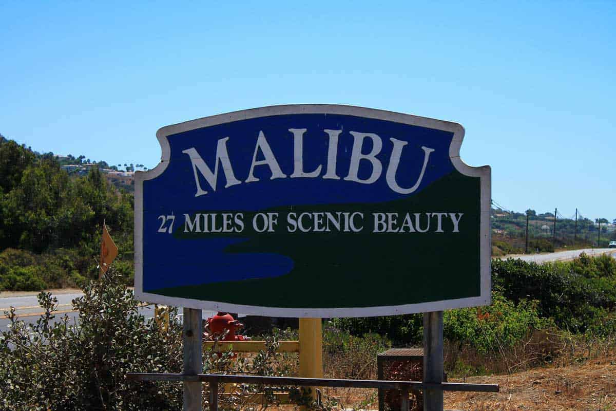 Malibu street sign announcing 27 miles of scenic beauty.