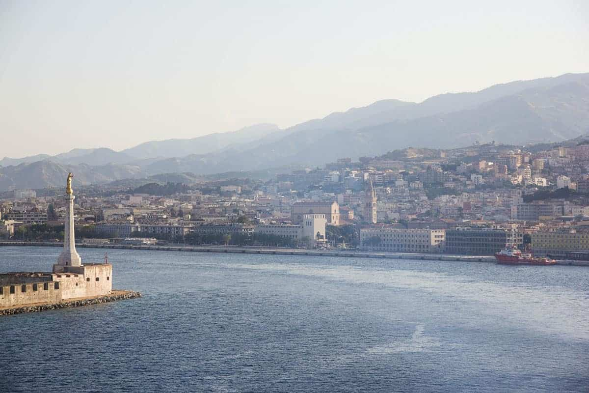 The bay and coastal city of Messina.