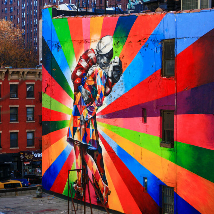 Colourful mural in New York of a sailor kissing a girl.