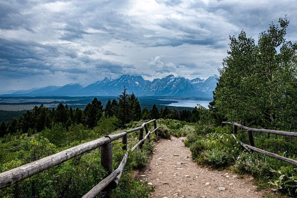 Views over Gran Teton Mountain Range.