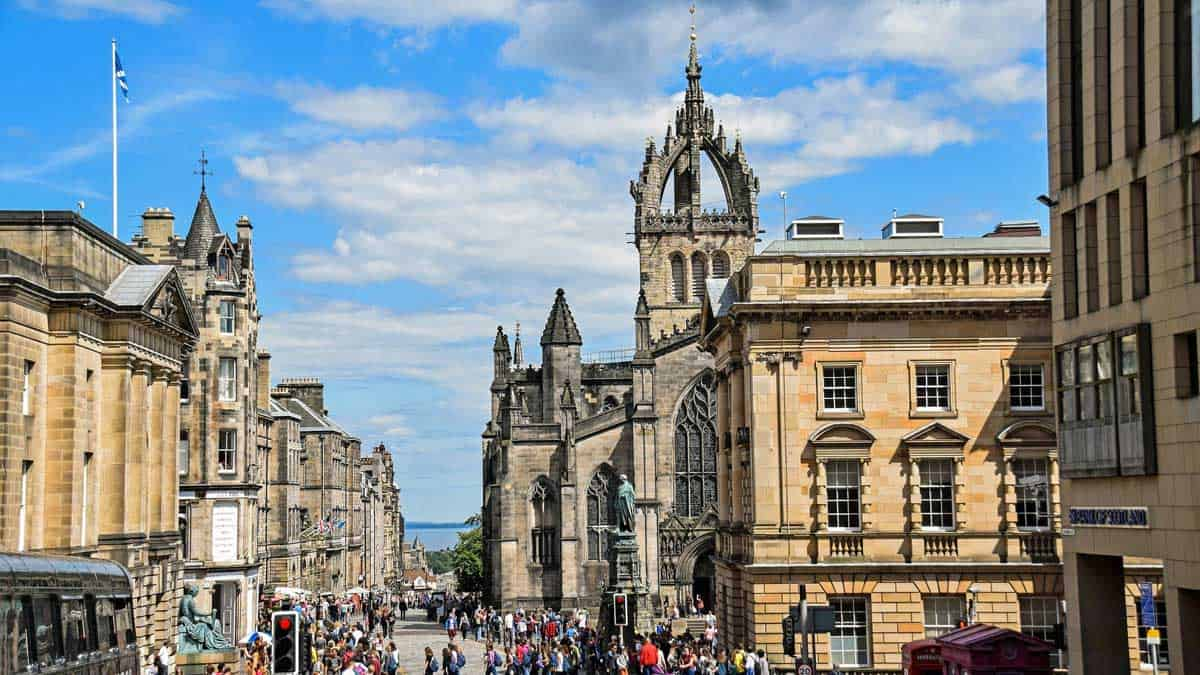 Busy streets in downtown Edinburgh.